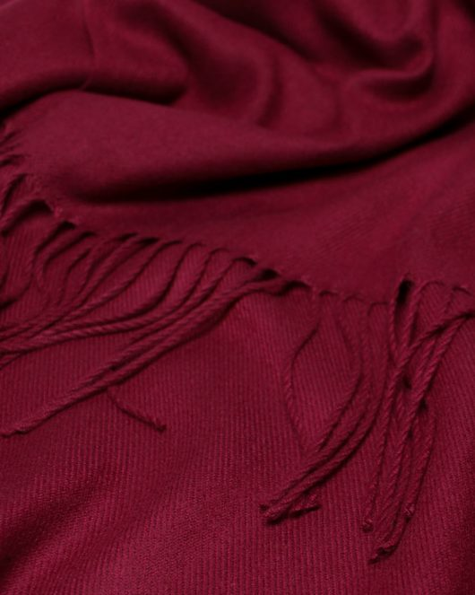cashmere scarf in maroon