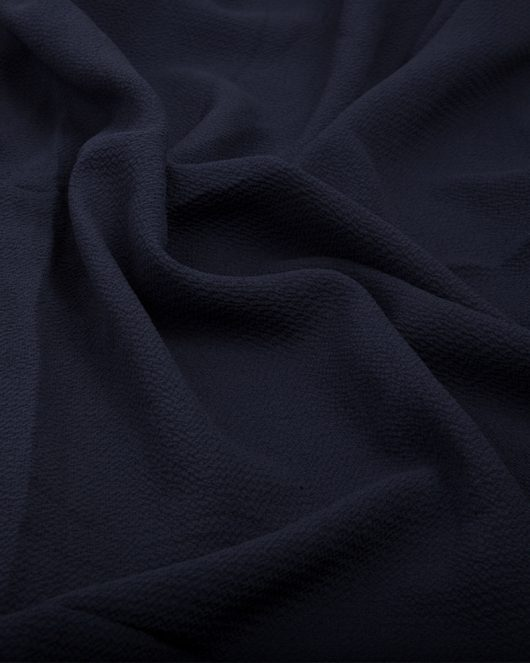 bubble crepe hijab in navy